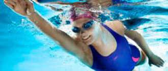 Помогает ли плавание при сколиозе 1, 2, 3 степени у детей и взрослых: упражнения в бассейне для позвоночника, как правильно плавать и в чем польза